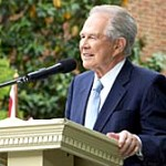 Pat Robertson Photo by: www.patrobertson.com/