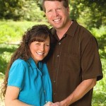 Hypocrites: The Duggars Delete Same-Sex Couples Kissing on FB Family Page
