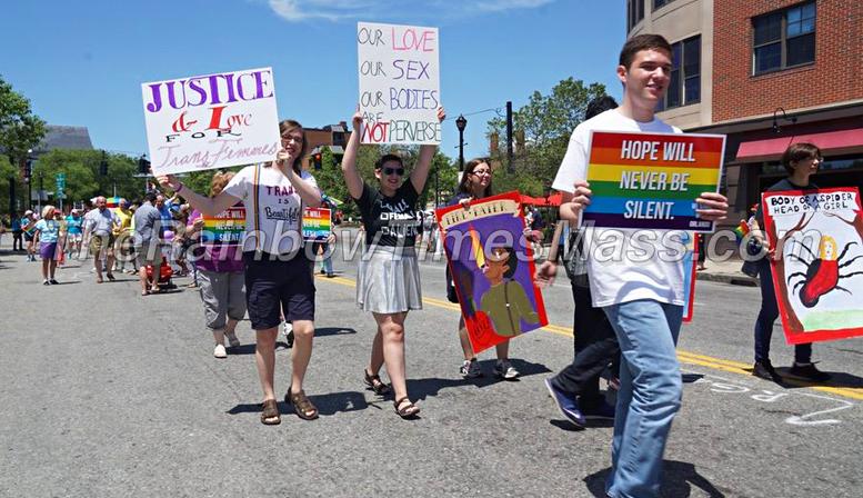 North Shore Pride 2016 Parade Participants  Photo: TRT/Steve Jewett